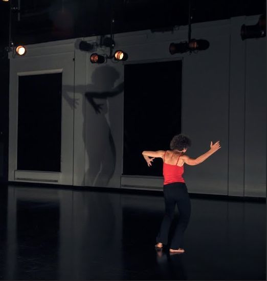 Linda_R_dance_3_photo_Claudia_Chan_Tak[1]